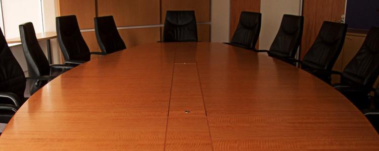 cosa-cercano-le-aziende-sala-riunioni