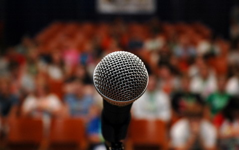 microfono-platea